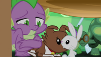 Spike apologizes to all the pets S03E11