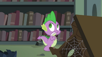 Spike being scared while walking inside the castle library S4E03