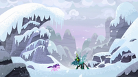 Starlight and Chrysalis in the Arctic North S9E24