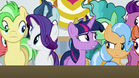 Twilight and Rarity push to front of crowd S8E16
