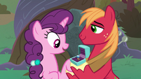 Big Mac gives Sugar Belle an engagement ring S9E23