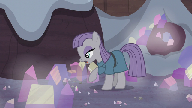 Файл:Maud Pie looks for the obsidian S5E20.png
