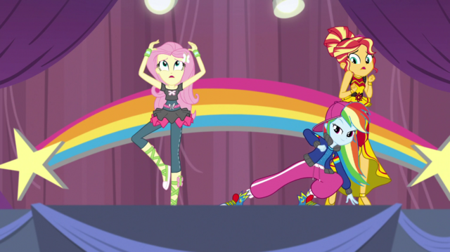 File:Rainbow Dash suddenly appears on-stage EGS1.png