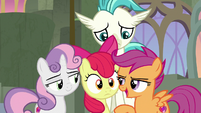 Scootaloo tells Apple Bloom to settle the tie S8E6