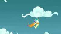 Smolder catches Sandbar in midair S8E25