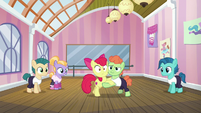 Apple Bloom and dancing colt tango S6E4