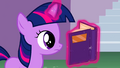 Filly Twilight reading S02E25.png