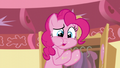 """Pinkie """"This apple is delicious!"""" S5E19.png"""
