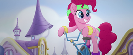 Pinkie Pie sees something better to do MLPTM