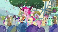 Pinkie Pie sings --fill my heart up with sunshine-- S2E18
