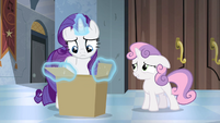Sweetie Belle gives the box back S4E19