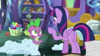 "Twilight ""you should leave the castle"" S8E11"