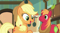 Applejack -if anypony knows about the feud- S7E13