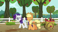 Applejack declining Rarity's request S8E4