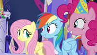 Fluttershy, Dash, and Pinkie in agreement S5E3