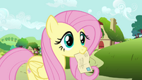 Fluttershy listening to Globe Trotter S2E19