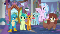 Gallus bragging to Headmare Twilight S9E3