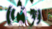 Mistmane breaks out of her vine prison S7E16