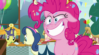 Pinkie Pie giving a crazed smile S7E23