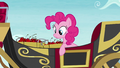 Pinkie sees that the carriage stopped S5E11.png
