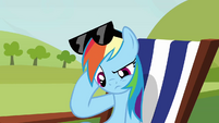 Rainbow Dash head scratch S3E3