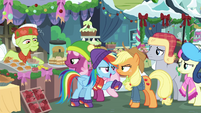 Rainbow issues a challenge to Applejack BGES1