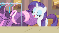 Rarity talking about her collection S4E08