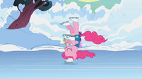S01E11 Pinkie jedzie na głowie
