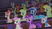 Twilight Sparkle's audience right side S5E25