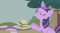 Twilight Sparkle -that's better- S1E03