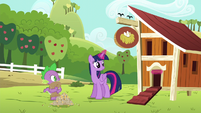 Twilight magically opens chicken coop door S6E10