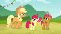Apple Bloom and Babs sees Applejack S3E08