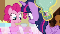 Balloon toy bumps into Twilight's head S7E3