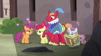 Cutie Mark Crusaders swooning over the fairy tale S7E8
