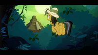 Daring Do looking at the Fortress of Talikon S4E04