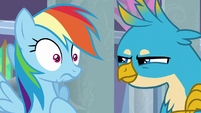 Gallus challenging Rainbow Dash's coolness S8E1