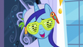 "Minuette ""invited her out a few times after that"" S5E12.png"