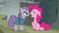 """Pinkie """"I love you bigger than all Equestria!"""" S7E4.png"""