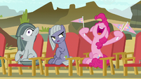 Pinkie Pie cheering for Maud S7E4