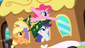 Pinkie Pie in my hat S2E11.png