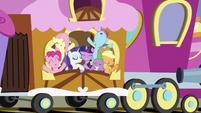Ponies on train for Ponyville 2 S3E2