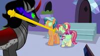 Royal guard's spear flies past Sombra's head S9E1