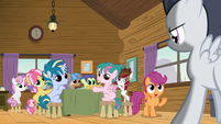 Scootaloo and campers looking at Rumble S7E21