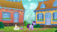 Spike falls flat on the ground S9E5