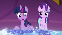 "Twilight ""run the school like friends should"" S8E2"