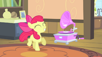 Apple Bloom dancing S4E17