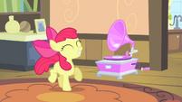 Apple Bloom dancing S4E17
