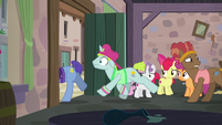 Backup dancers leaving Sugar Belle's bakery S7E8