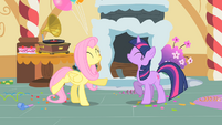 Fluttershy and Twilight are dancing S1E25