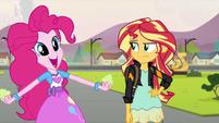 Pinkie Pie -in cake-!- EG3
